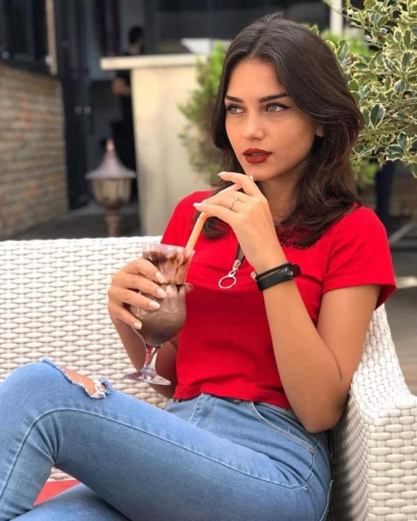 Belinay Sandıkçı - MyFenomen - Türkiye Influencer